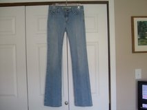 Gap Low Rise Boot Cut Jeans in Fort Riley, Kansas